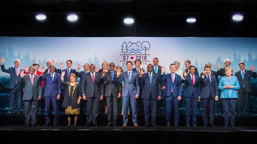 Gruppebilde med blant andre statsminister Erna Solberg på G7-møtet.