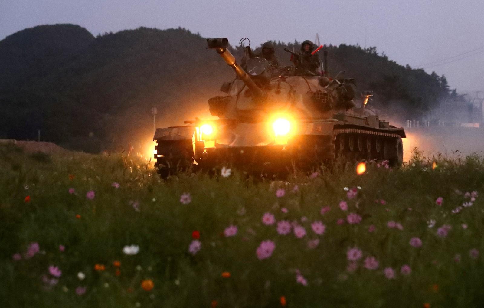 Militærøvelse på Baengnyeongøya i Sør-Korea.