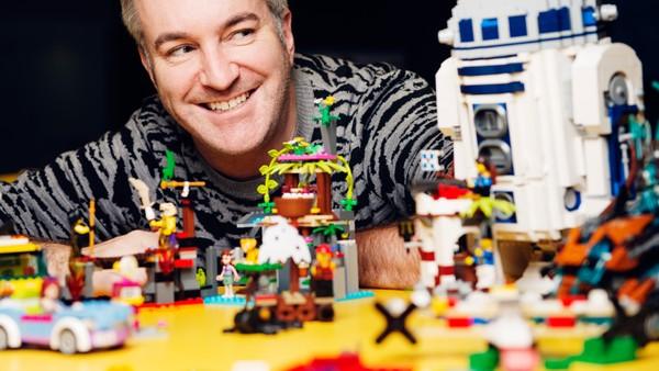 Bli med inn i Legos private arkiv