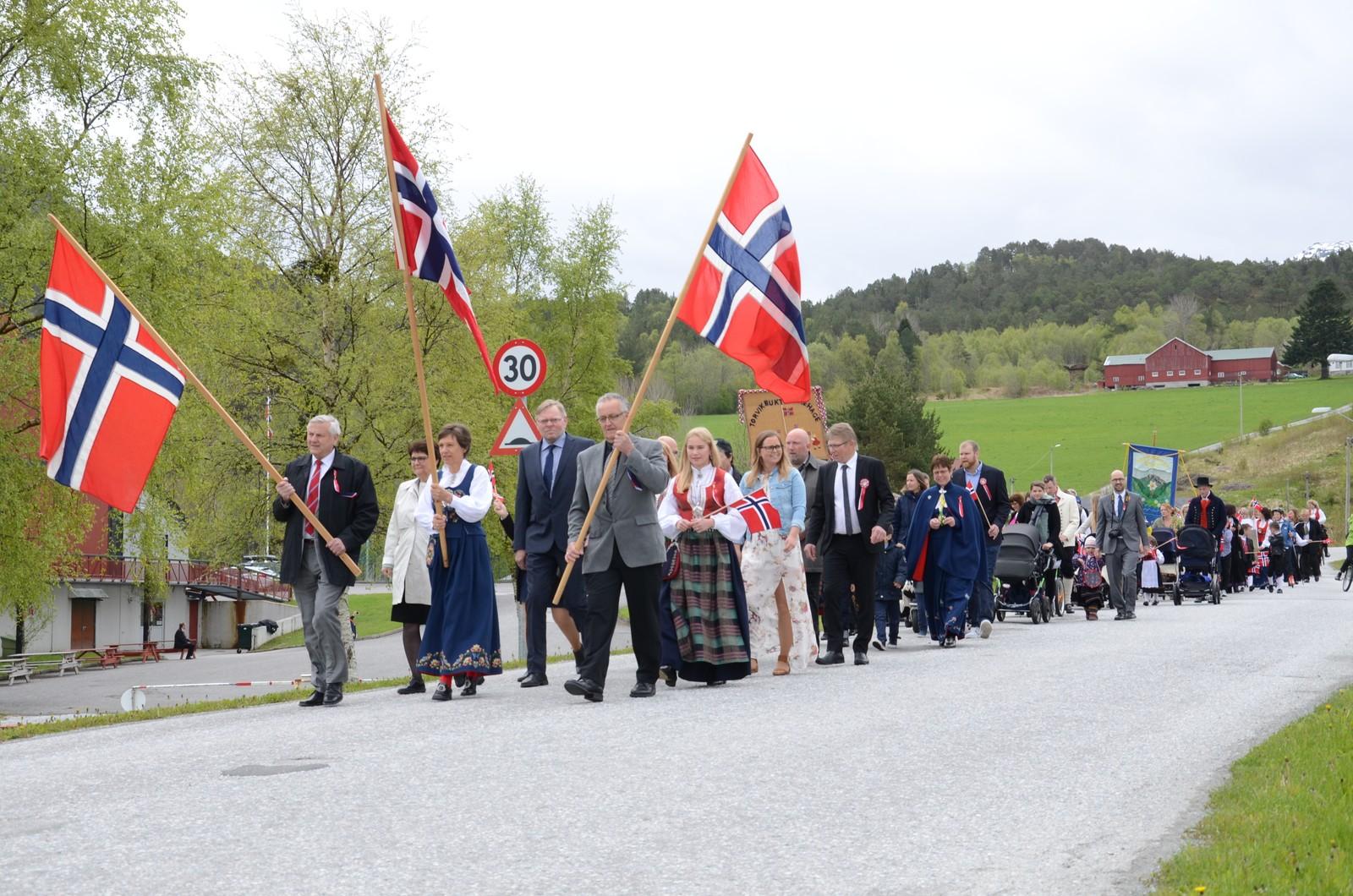 17.mai i Torvikbukt.