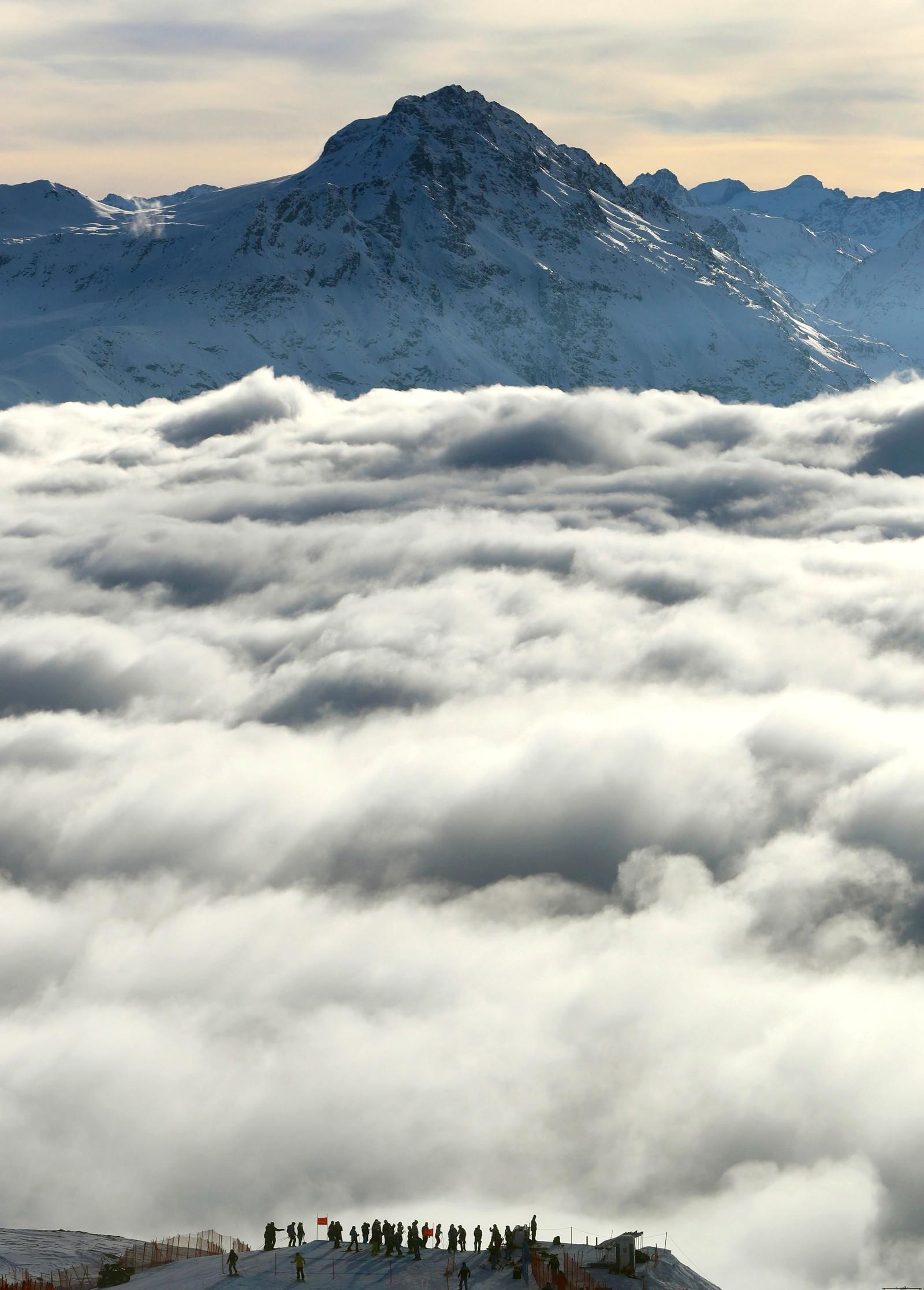 Dette bildet er tatt under befaringen av løypa før kvinnenes VM-slalåm i St. Moritz i Sveits.
