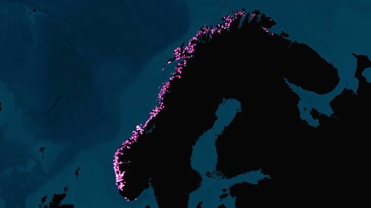 Kartet viser fiskeoppdrettsanlegg langs norgeskysten.