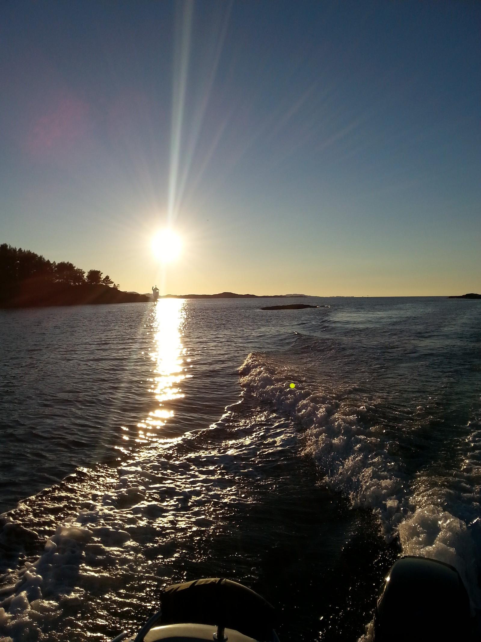 Solnedgang i Skifjorden.