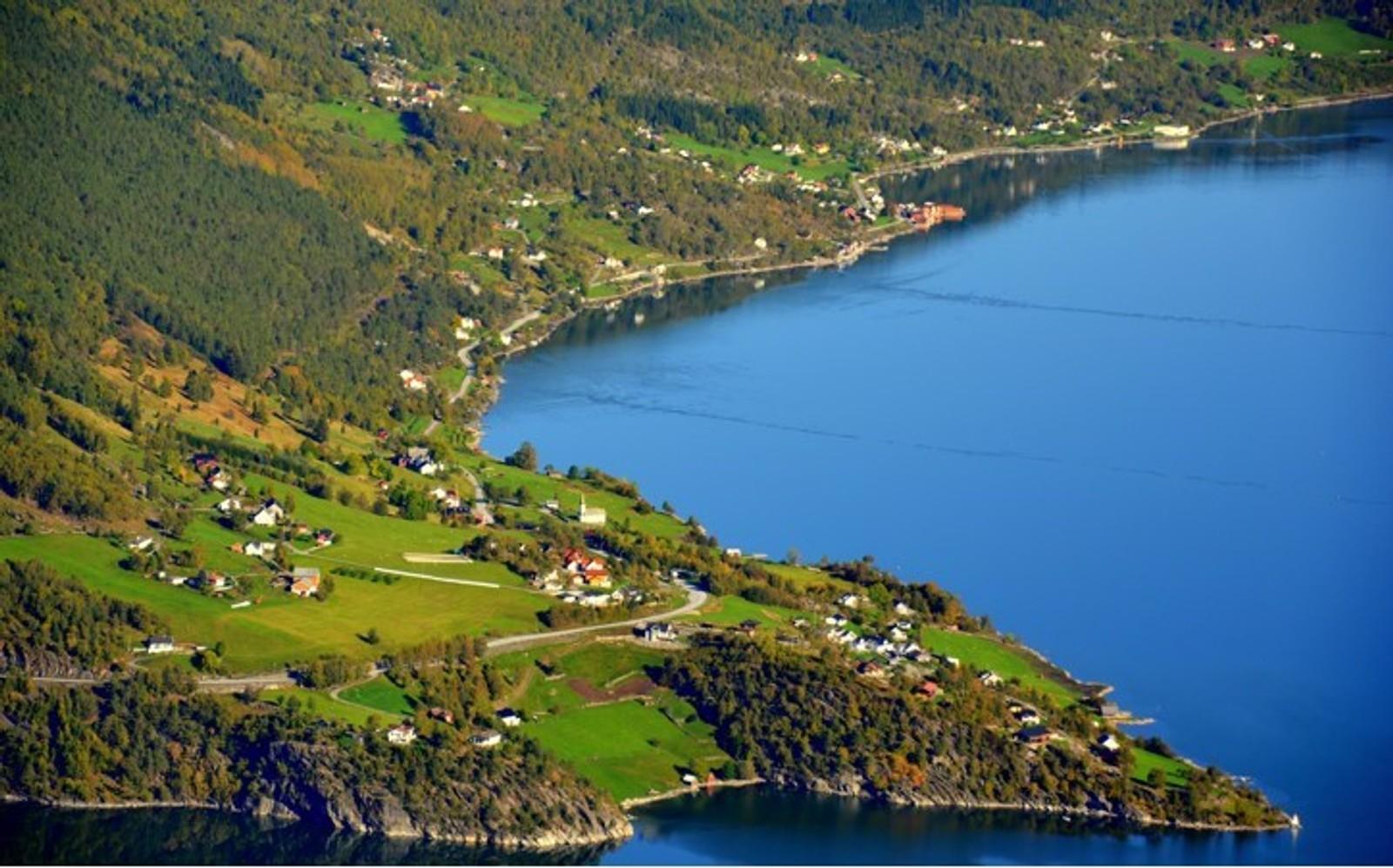 Nes og Høyheimsvik.