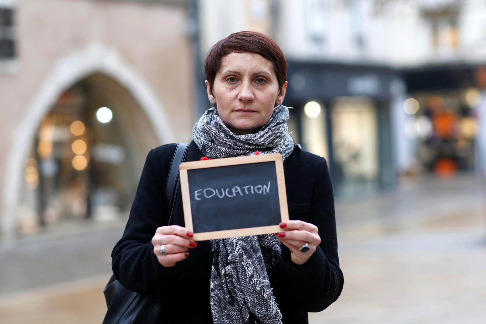 For lærerinnen Nathalie Harlingue (41) er det, ikke overraskende, utdanning som er det viktigste tema i valgkampen.