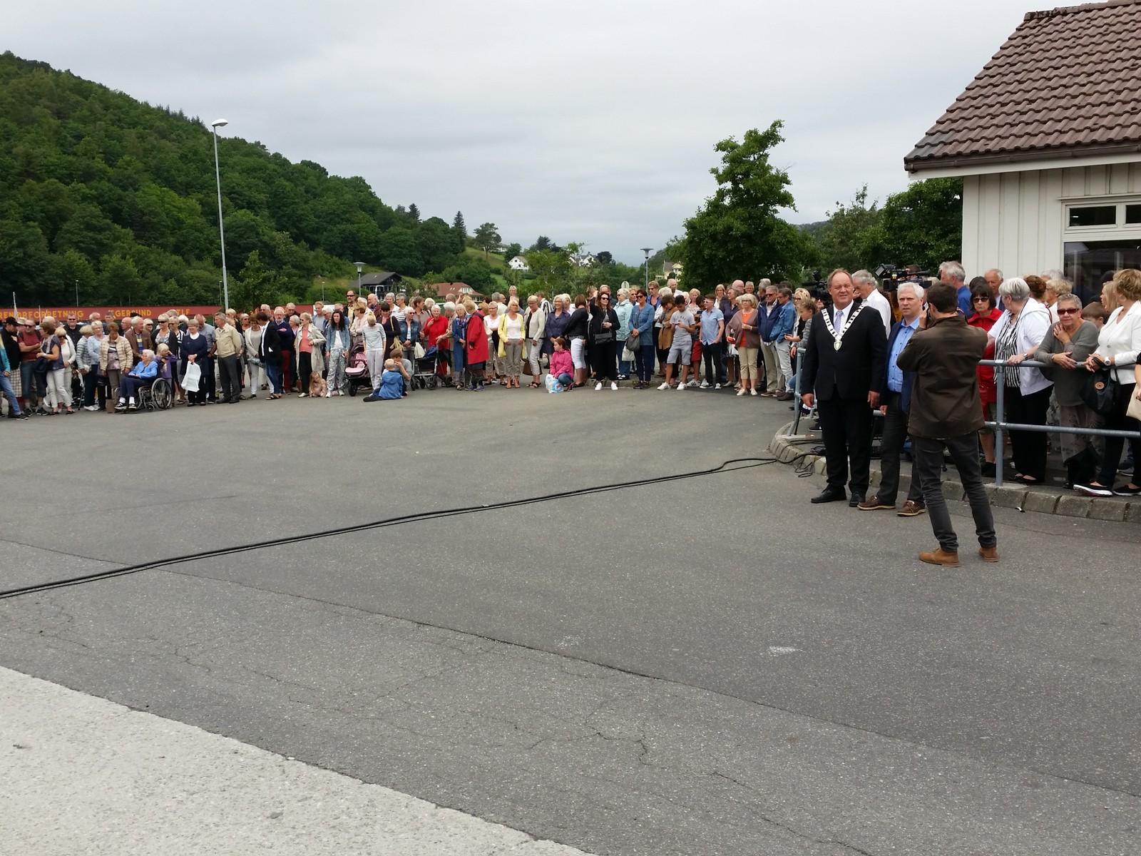 Mange møtte til minnemarkering i Egersund.