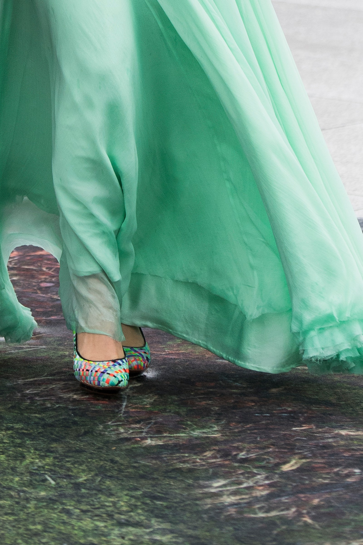 Nærbilde av prinsesse Märtha Louises sko.
