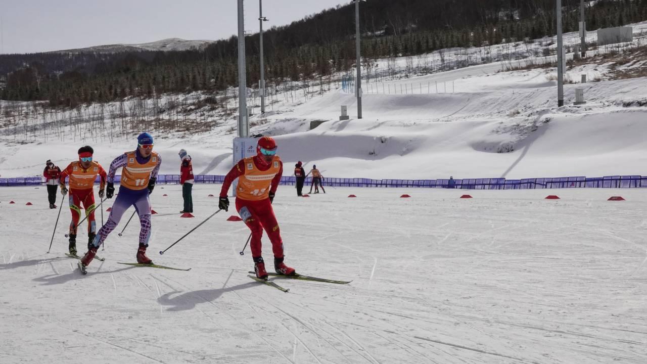 De kinesiske utøverne i skiskyting, langrenn og kombinert konkurrerer mot hverandre