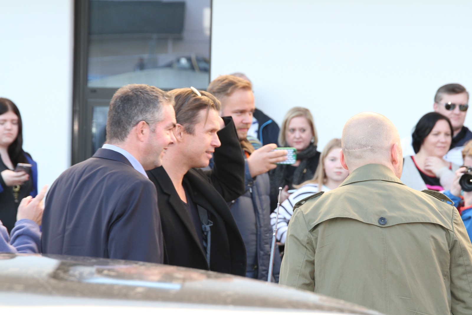 Her ankommer regissør Hallvard Bræin førpremieren på Børning 2 i Fosnavåg.