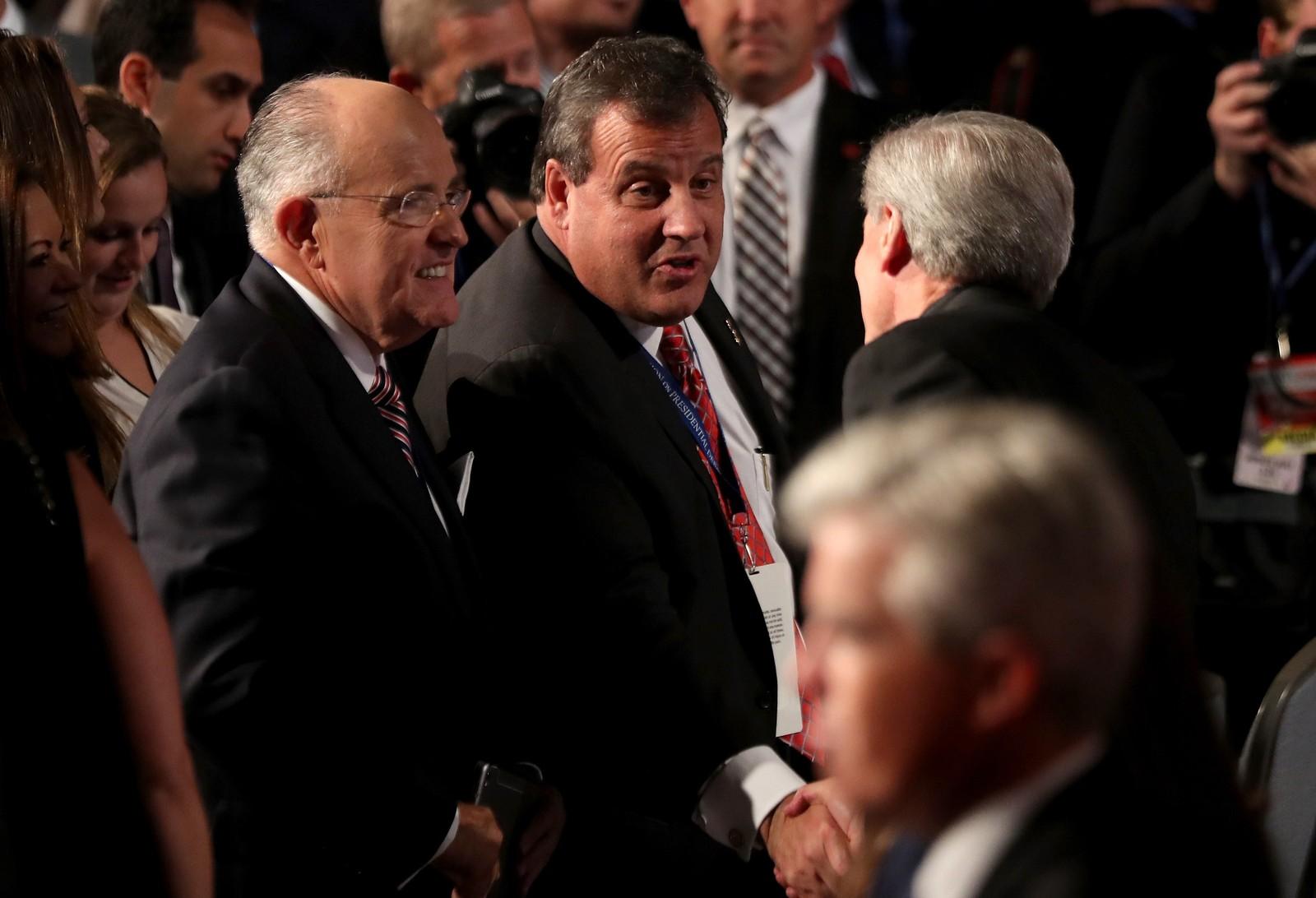 Tidligere New York-ordfører Rudy Giuliani (t.v.) og New Jersey-guvernør Chris Christie er begge Trump-støttespillere.