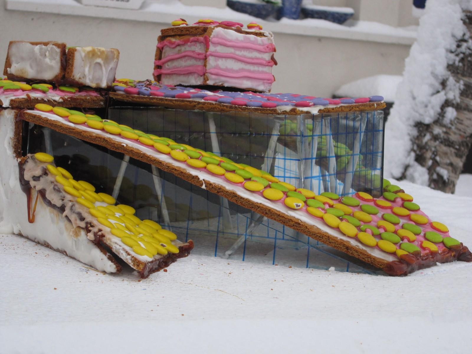 Å bygge Operaen som pepperkakehus var ikkje lett. Spesielt var glasflatene trøblete.