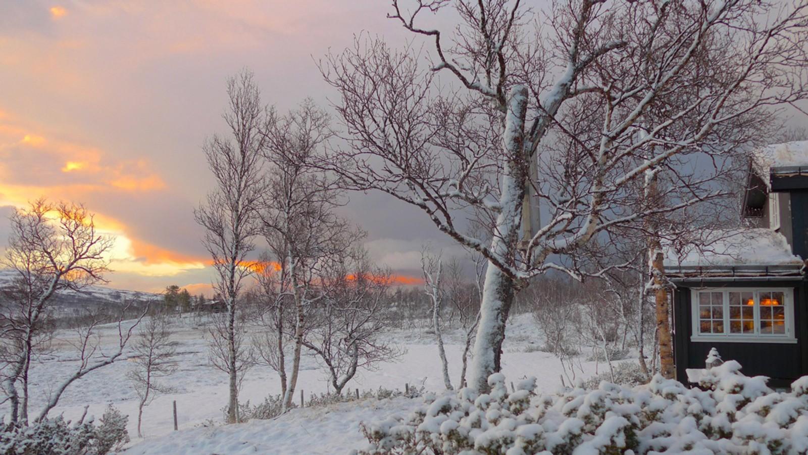 Pinsehelg med nysnø og kuldegrader på Nerskogen