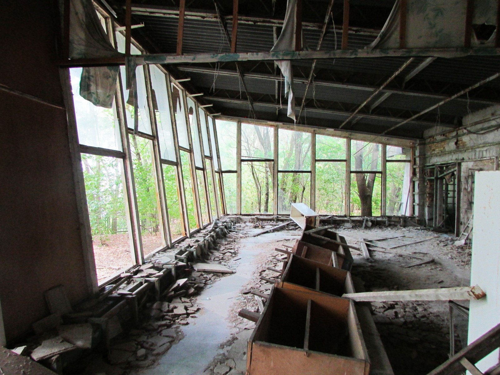 Inne i Kafé Pripyat.