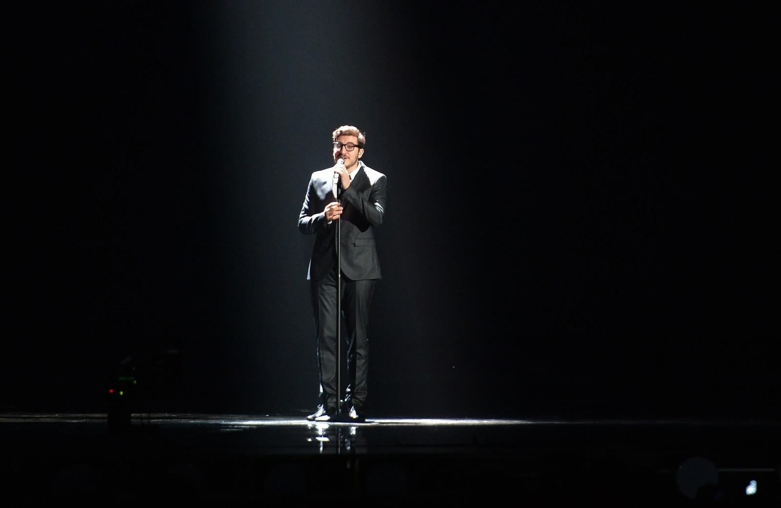 John Karayiannis er Kypros' håp og synger «One Thing I Should Have Done» som artist nummer 15 i kveld. Her fra onsdagens kostymeprøver.