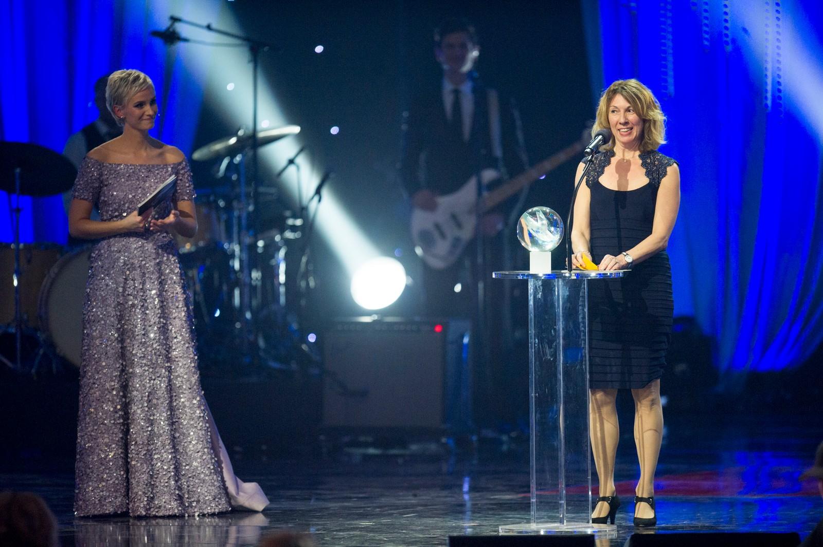 Sarah Louise Rung (her representert ved sin mor) mottok prisen for «Årets kvinnelige funksjonshemmede utøver».