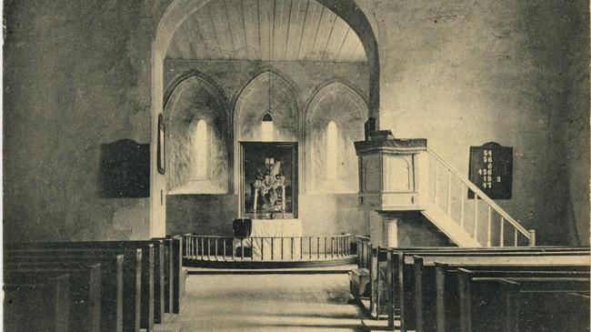 Vangen kyrkje innvendig før 1917. Foto: N. M. Nielsen Hjørring.