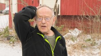 Kjell Lorang Eng fra Marker forteller om innbrudd i huset.
