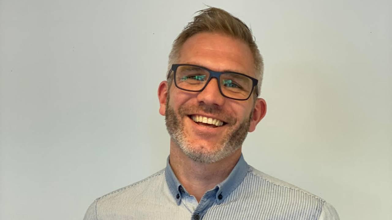 Helse og- treningsterapeut Thomas Orø har erfaring fra treningsterapi for rusmiddelavhengige i behandling, og er utdannet fra Norges Idrettshøgskole.
