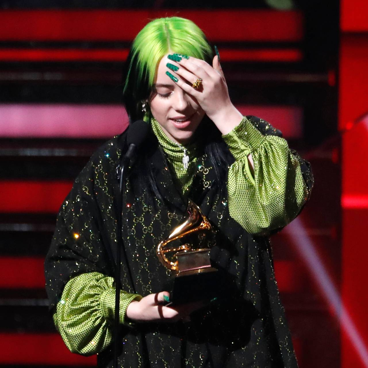 Billie Eilish vinner prisen Best New Artist.
