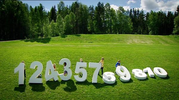 Tellekorpset leker med tall og telling, mengder og størrelser.