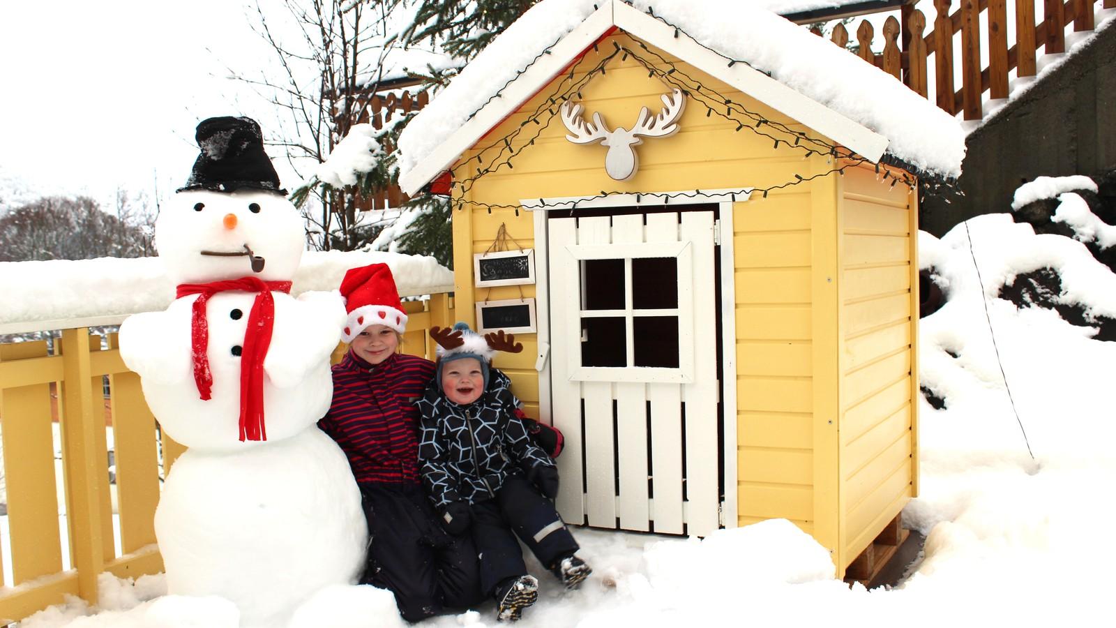 Julehelsing frå Johan, Yvonne, Sanne og Sverre i Stryn