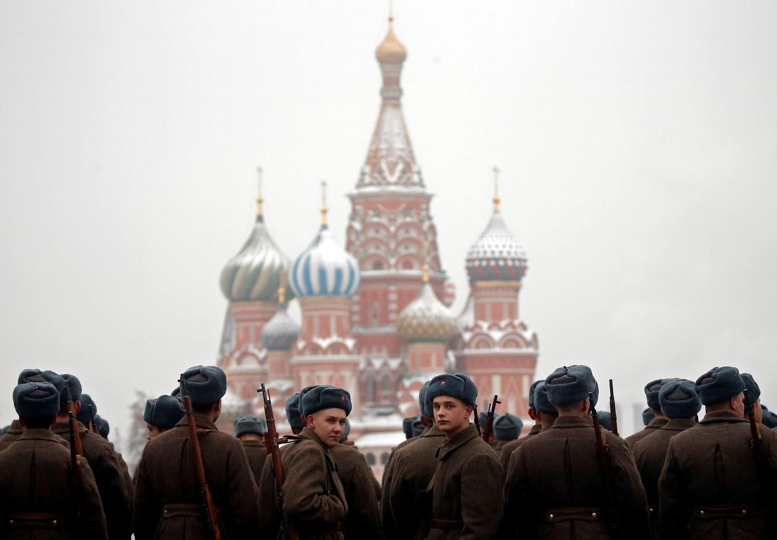 Paraden i dag markerte 75 årsjubileet for det som blir omtalt som ei av dei viktigaste samlande hendingane i russisk historie.