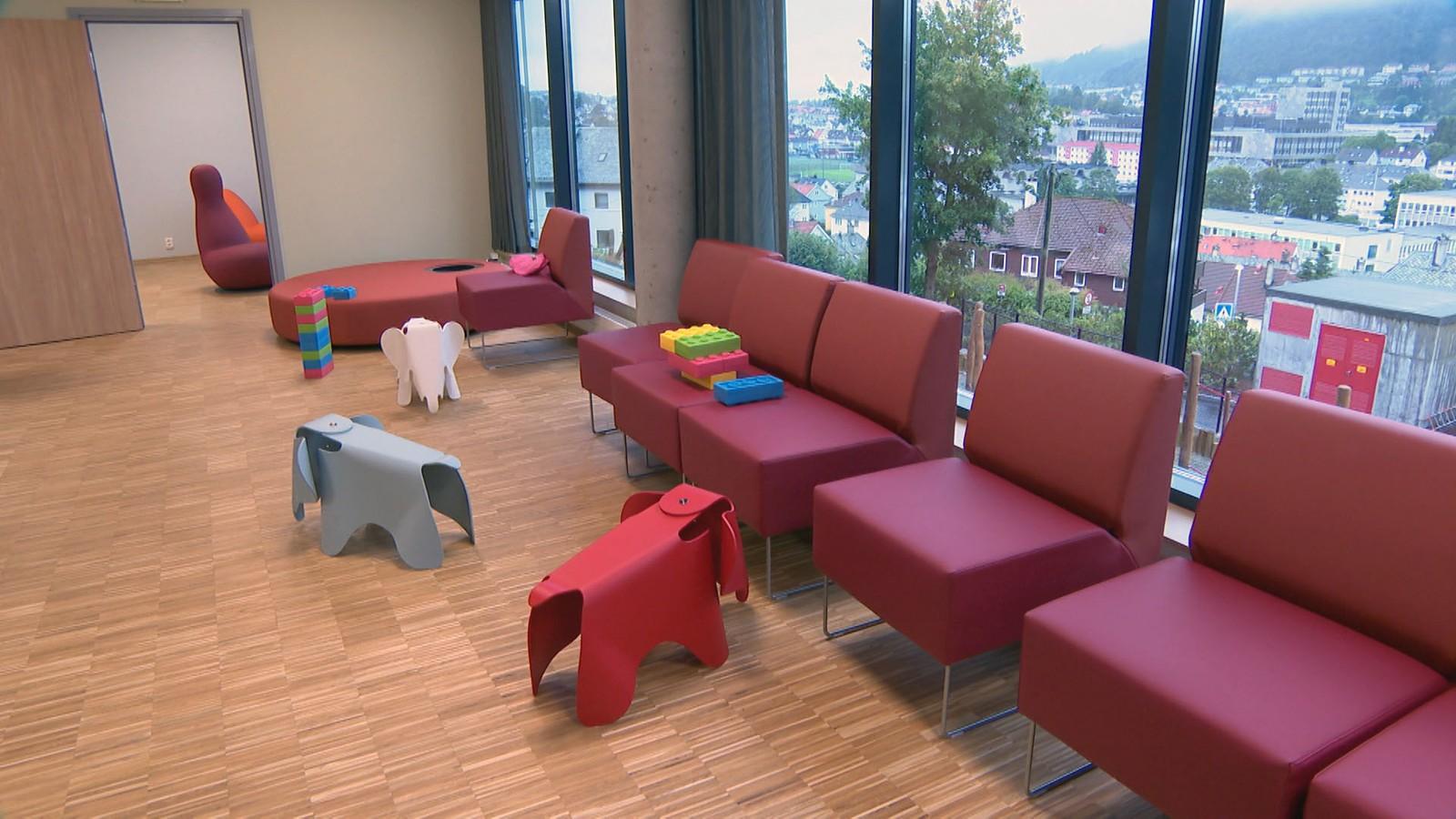Den nye barneklinikken i Bergen heter fra nå av Barne- og ungdomsklinikken.