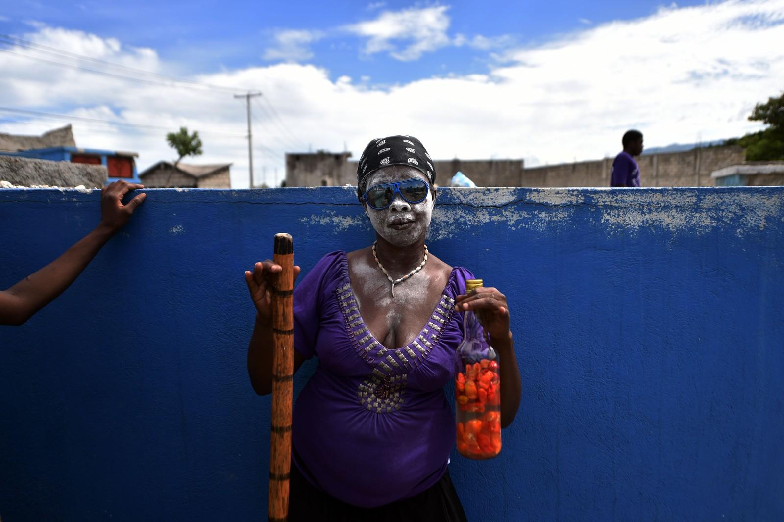 Denne dama deltok i en voodoo-festival i Port-au-prince denne uka. Arrangementet avholdes årlig i forbindelse med de dødes dag, som feires i en rekke land.