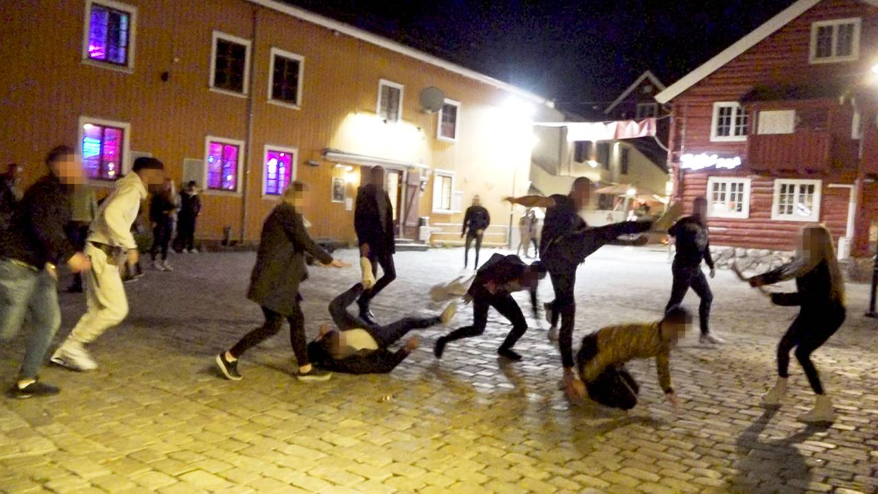 Brygga Tønsberg gjenåpning masseslagsmål