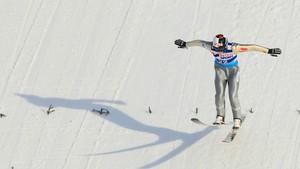 15:55 · V-cup hopp, skifyging menn