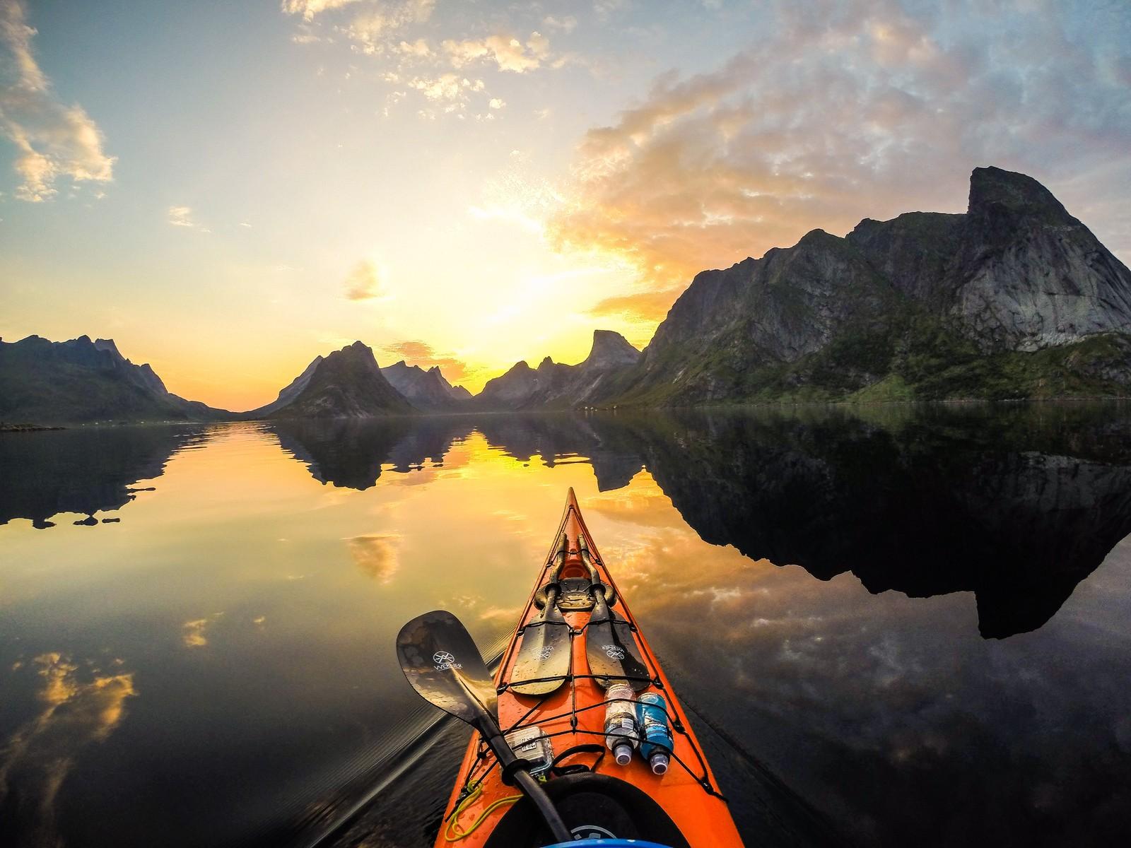 REINE: – Lofoten er helt klart et av favorittstedene mine, men Moskenesstraumen og utsiden av Lofoten er farlig sammenlignet med fjordene på Vestlandet, sier Furmanek.