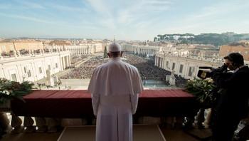 Pave Frans holder sin 1. juledagtale
