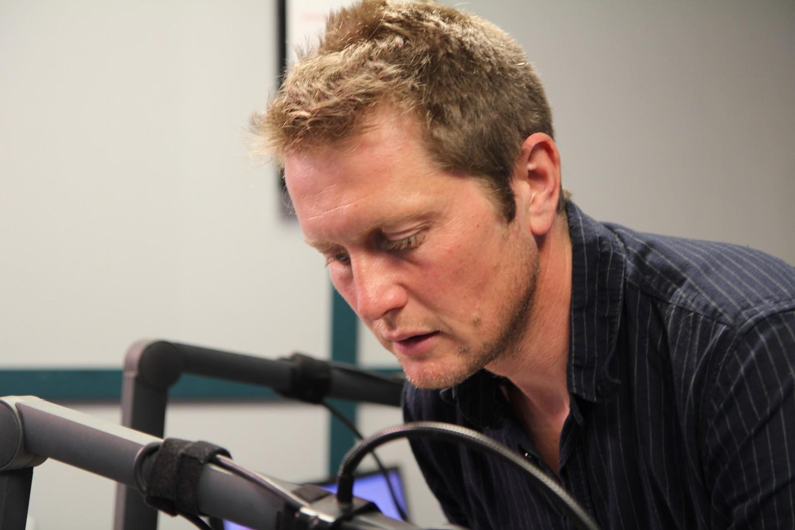 Johan Mihle Laugaland har sammen med makker Ellingsen sendt radio 24 timer i strekk.