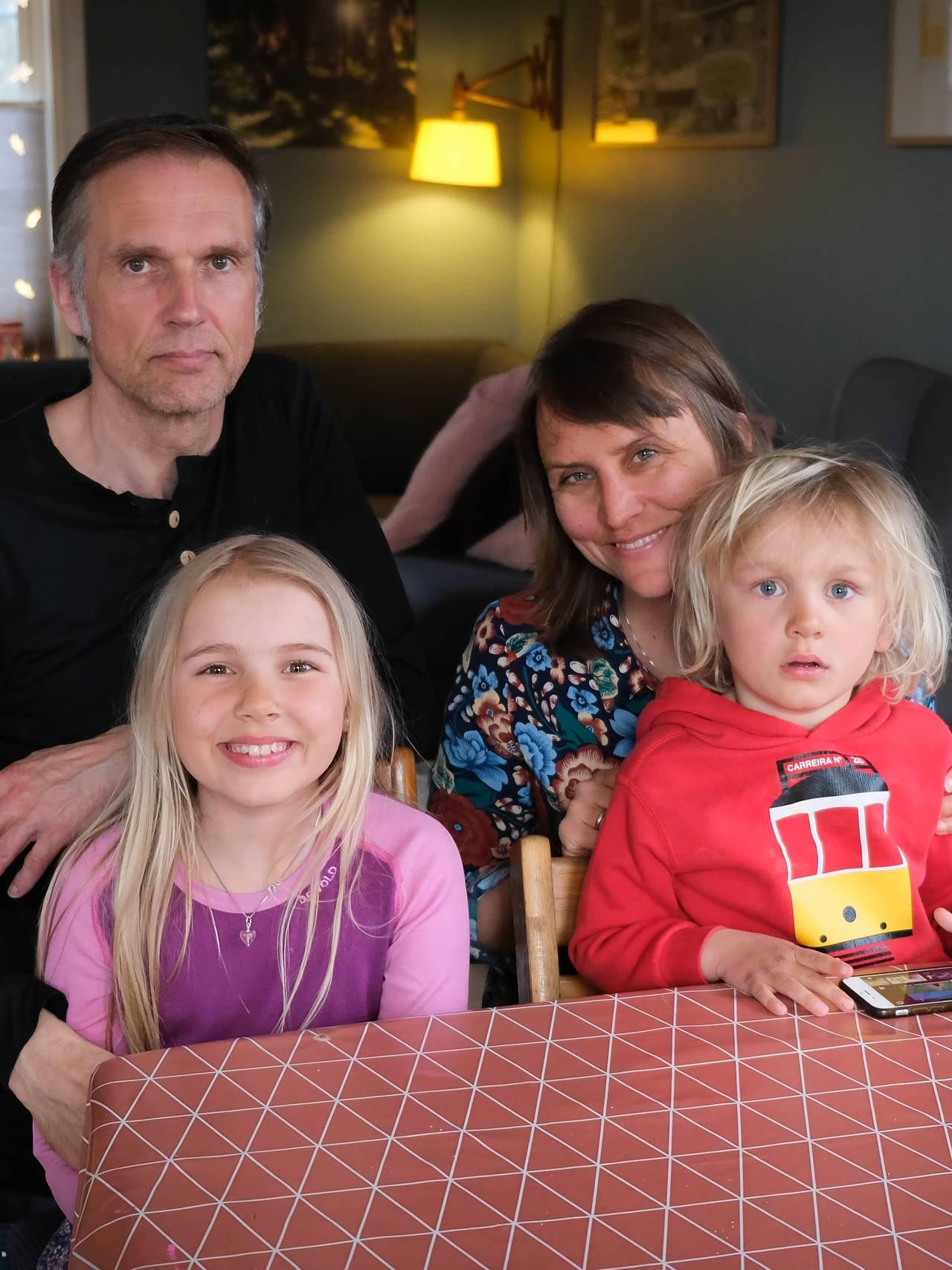 Familien Langlo Green på stua