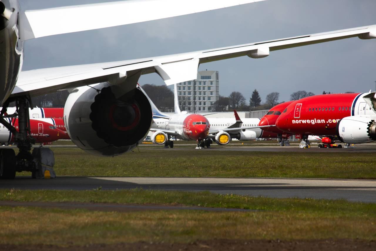 Parkerte Norwegian-fly på Stavanger lufthavn Sola