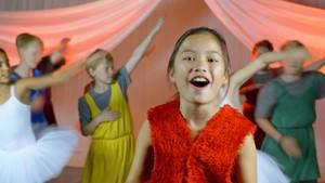 """Sangfoni - musikkvideoer +++: 5. """"Se min kjole"""" - Sangfoni"""