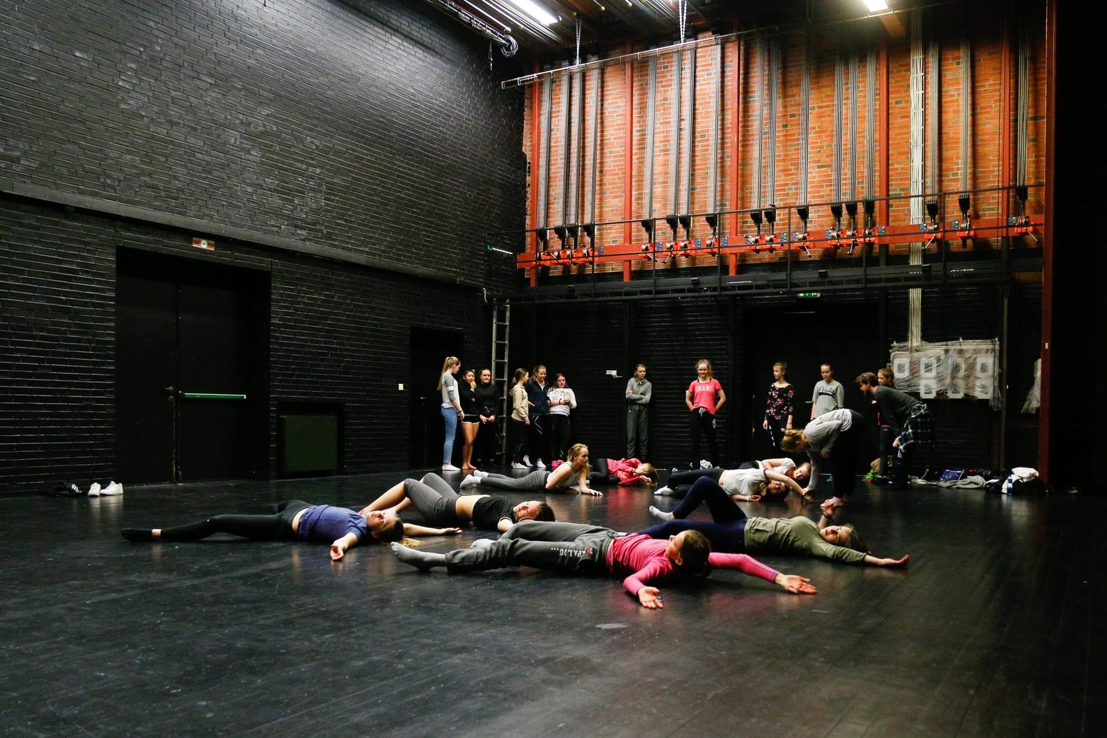 WORKSHOP: Både laurdag og søndag er det mulig å vere med på workshop i dans.