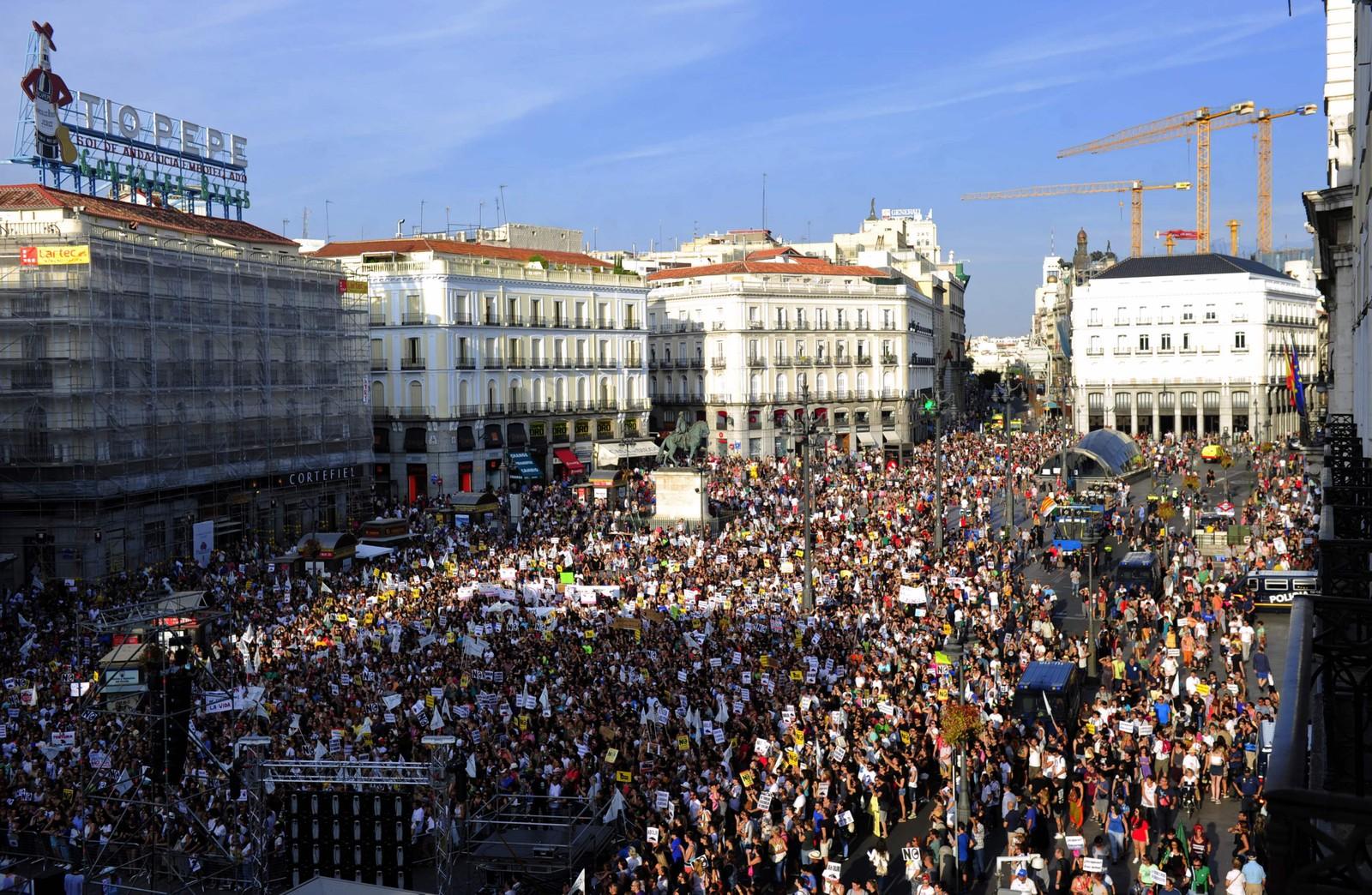 Det er uklart kor mange som deltok i demonstrasjonen i Madrid, men det var mange tusen.