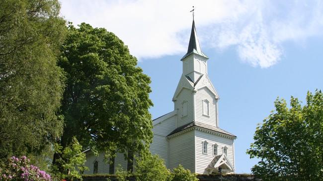 Gulen kyrkje i Eivindvik. Foto: Ottar Starheim, NRK.