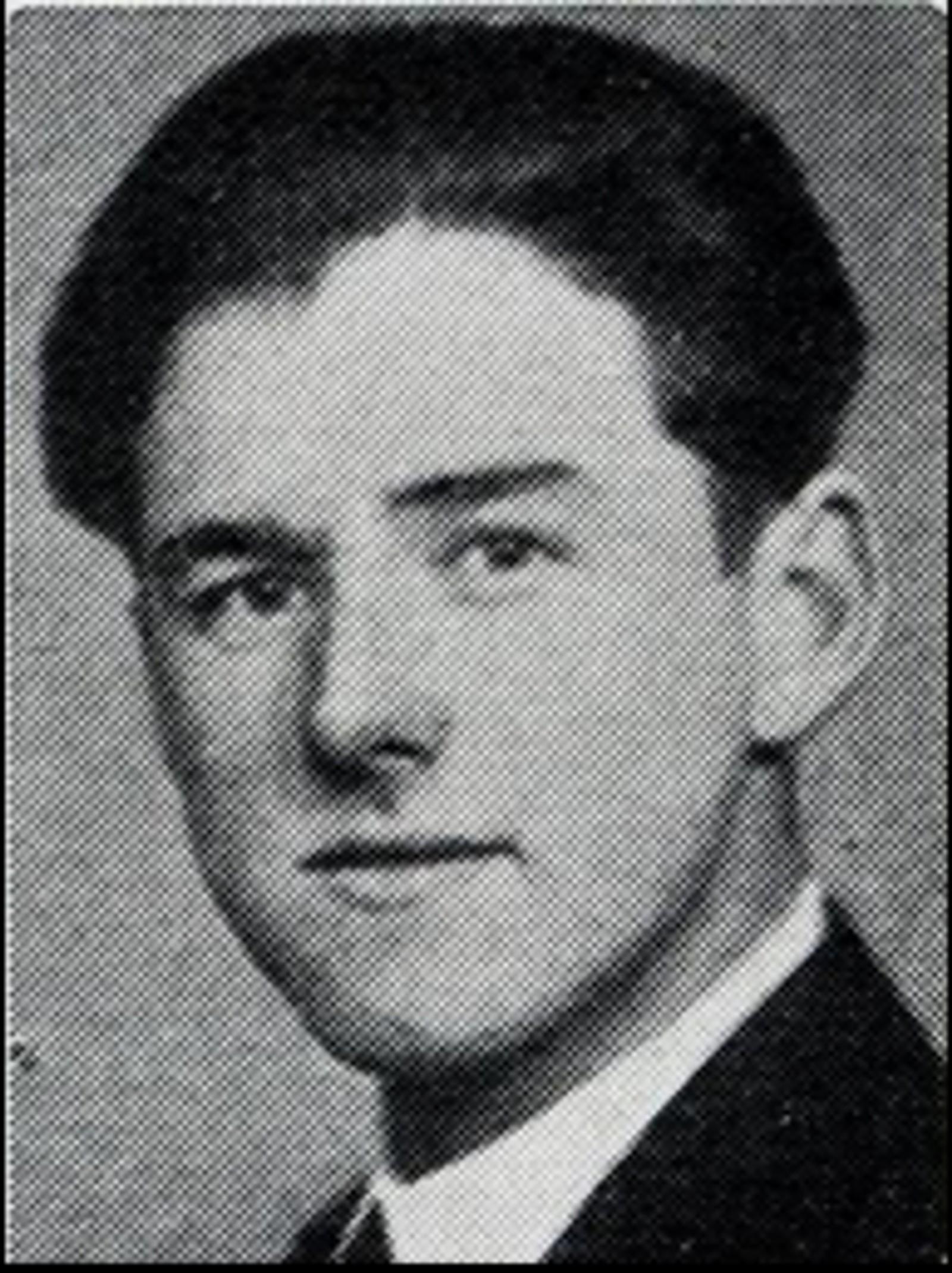 Arne Løvlund: Skoleelev, bodde på Skansen i Elverum. Døde på Glommen Bruk under bombeangrepet 11.april.