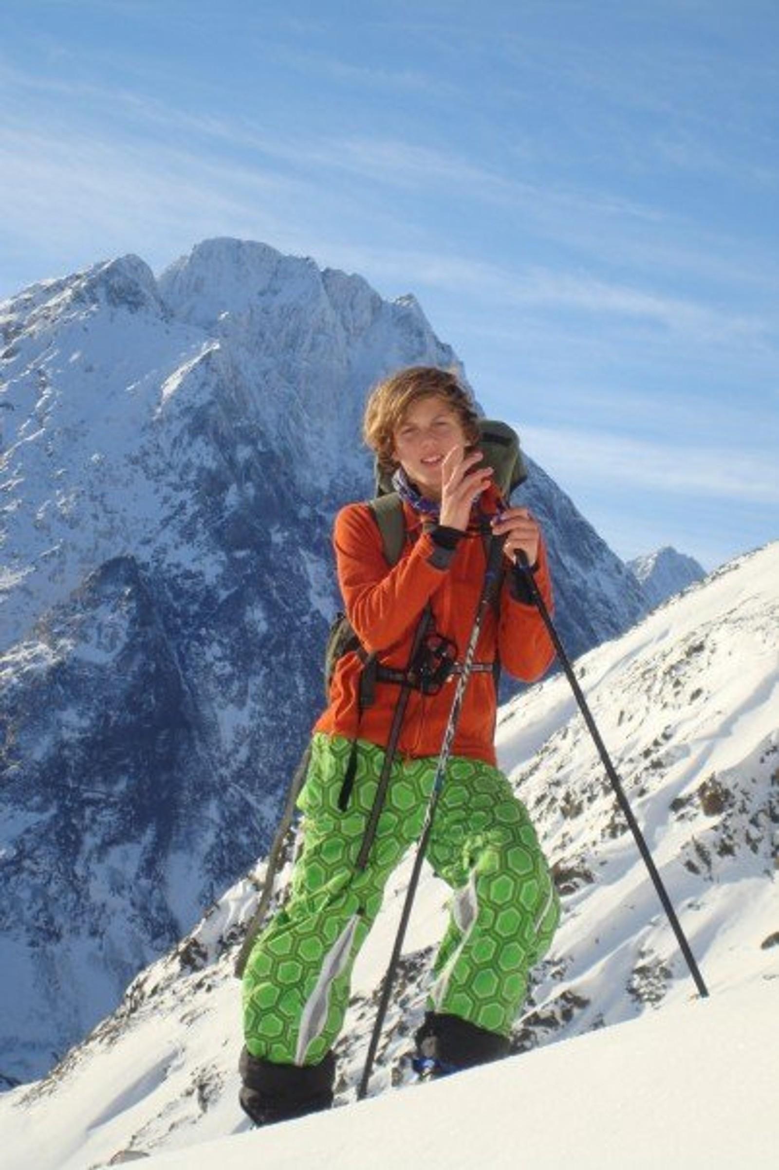 En ung og optimistisk Andreas Grundvåg Nilssen på vei opp Store Kjostind i oktober 2007. Han var 15 år da han ble fanget i snøskredet.