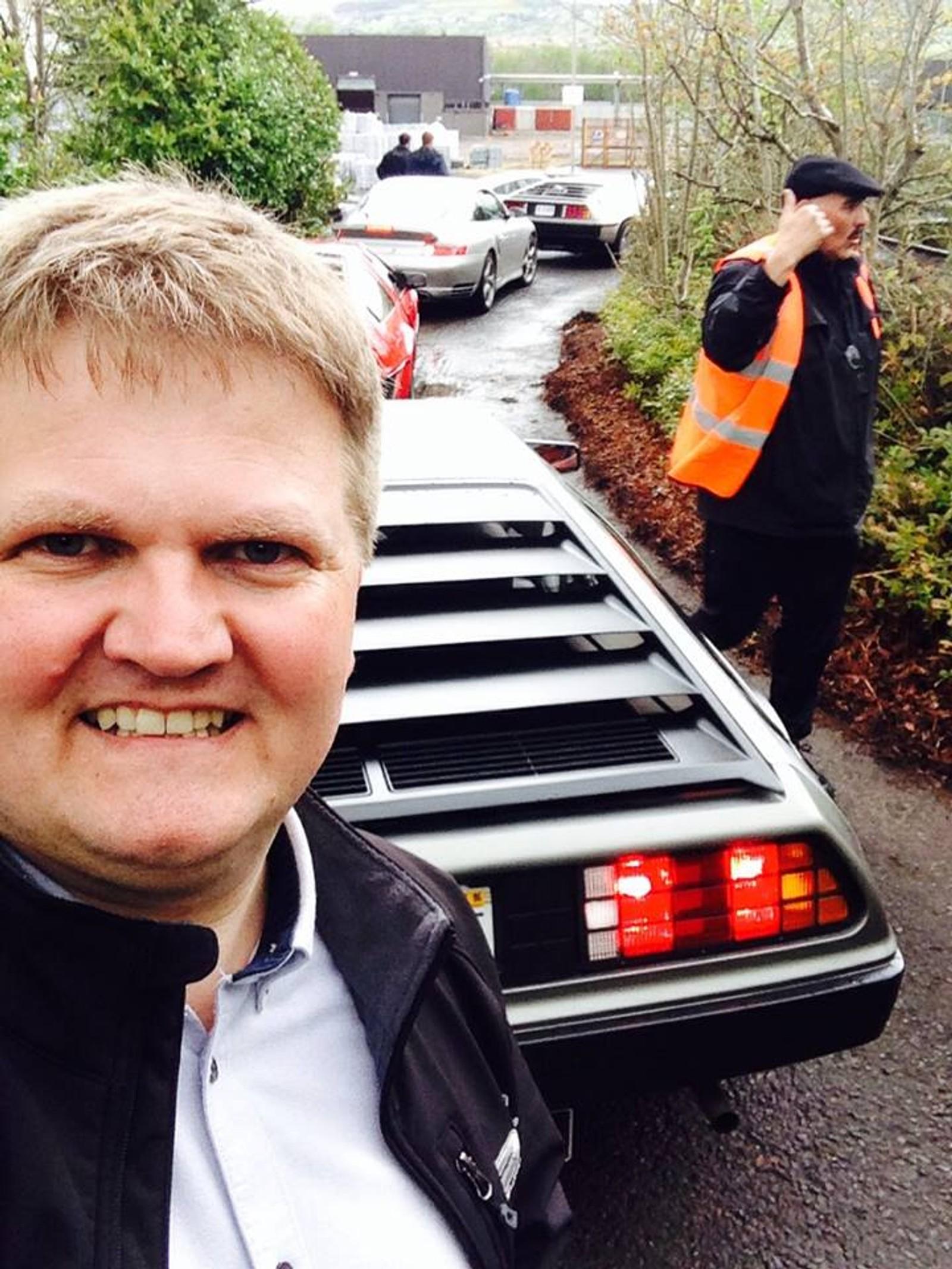 Stian Birkeland på DeLorean-treff.