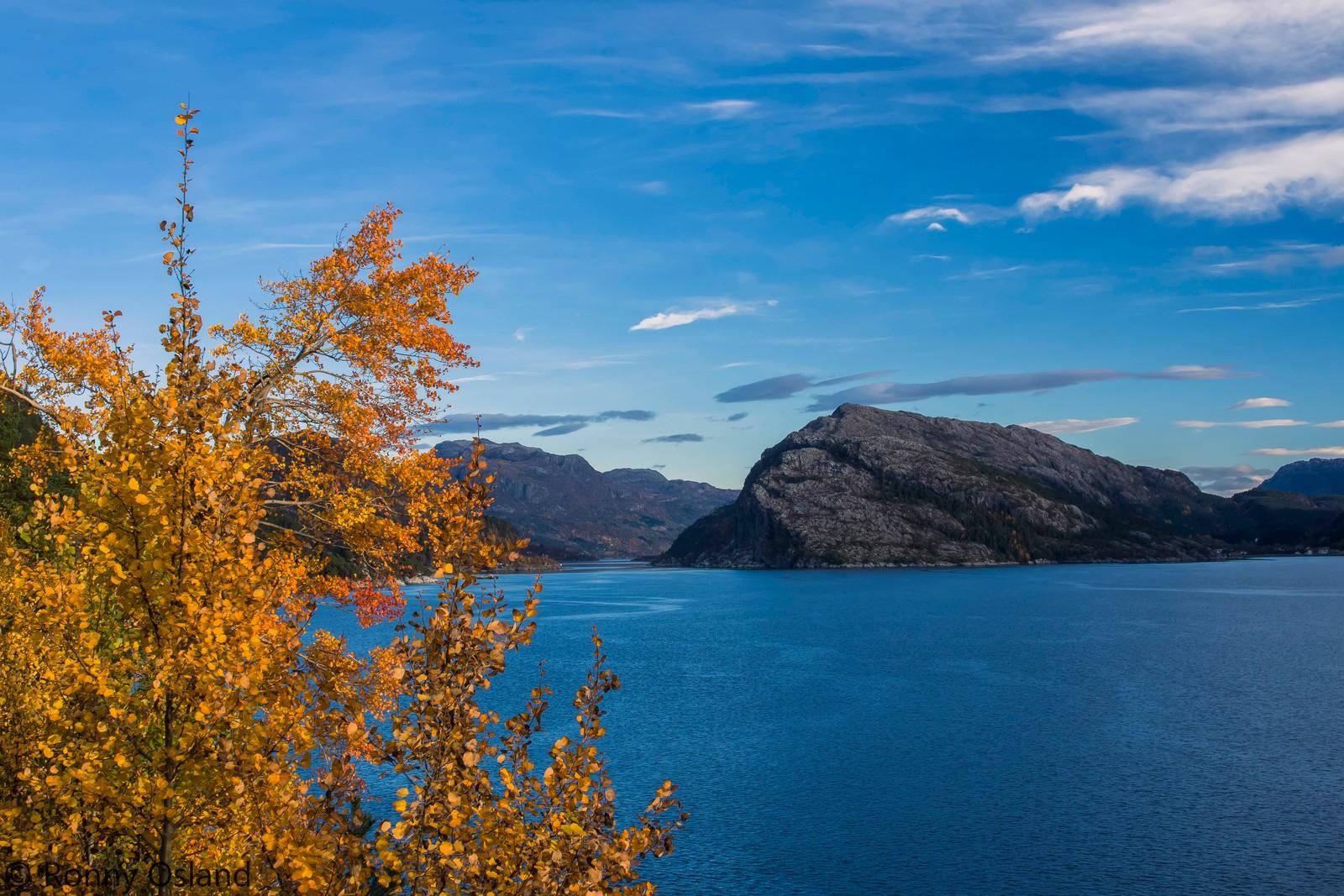 Riksveg 5 på Klavelandet ved Eikefjord.