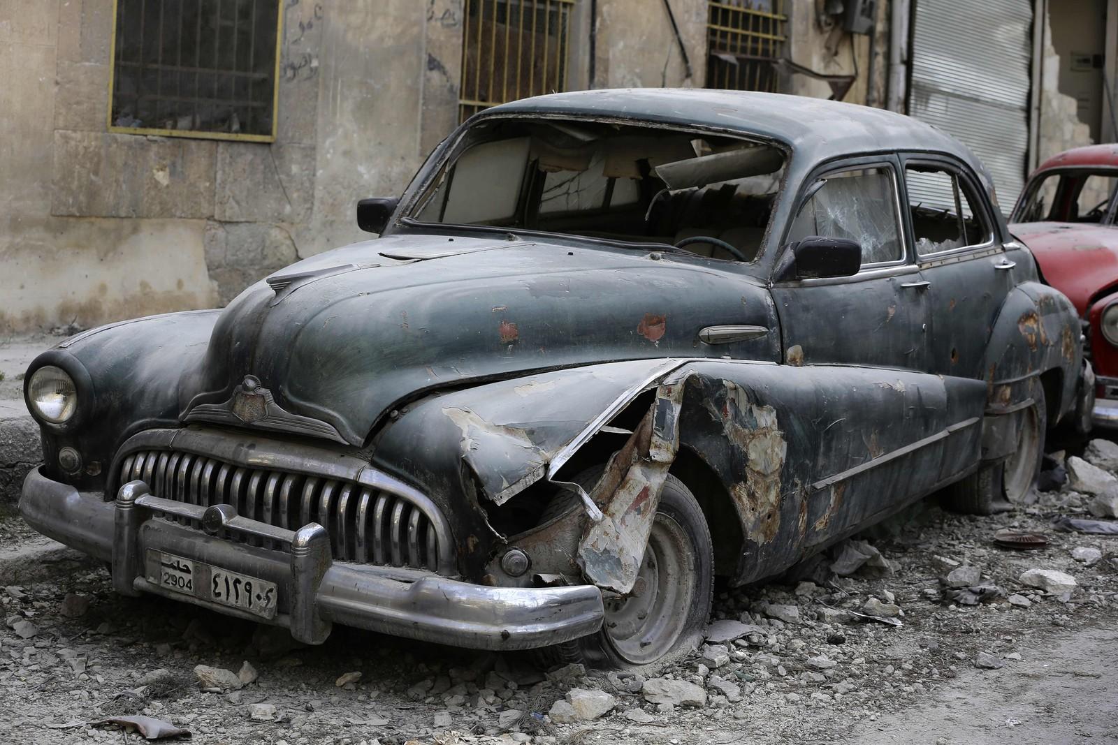 Mohammad Anis har flere biler av merket Buick. Denne er en 1948-modell.
