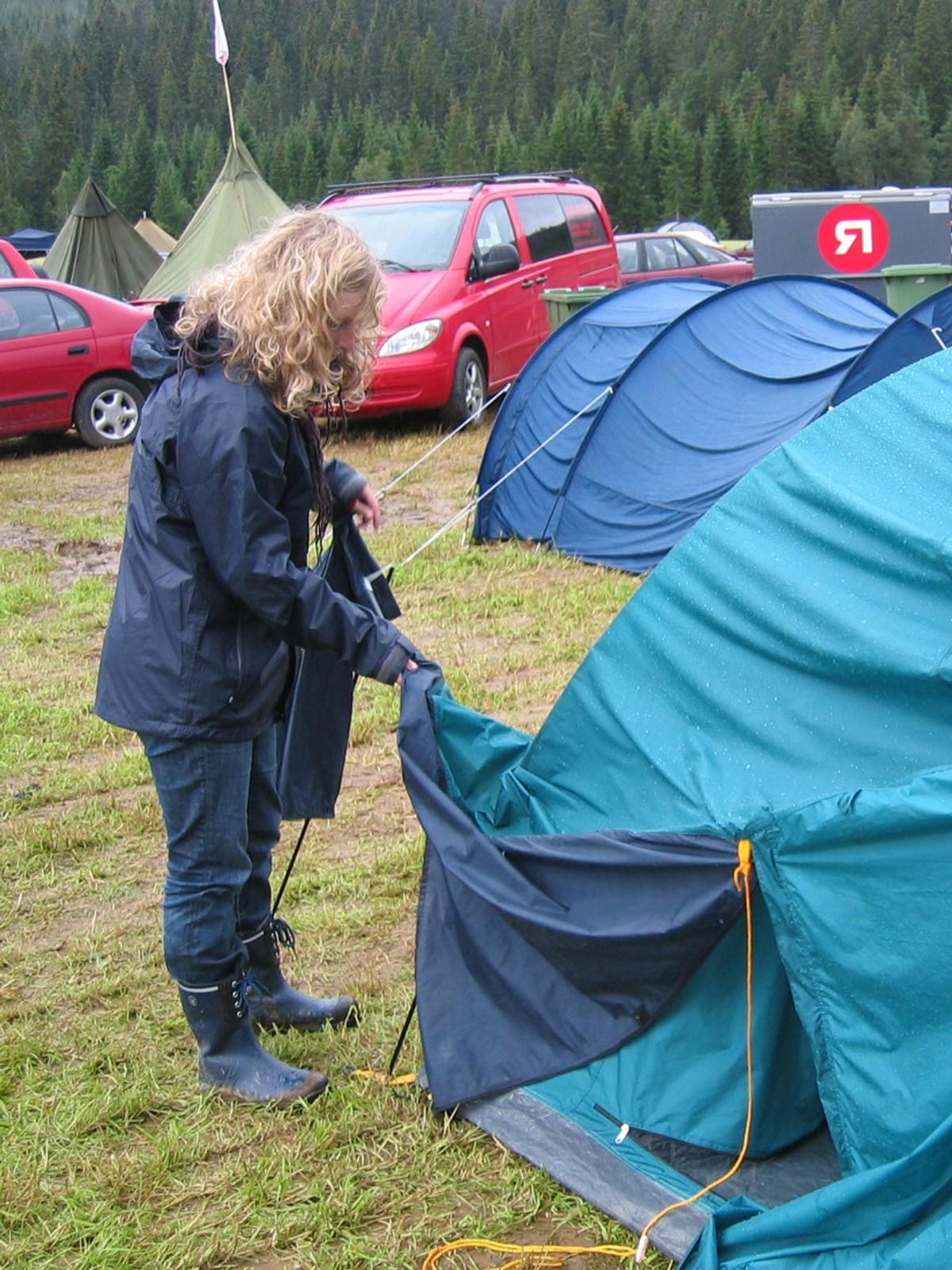 Redd for å våkne til dam i teltet? – NRK Rogaland – Lokale