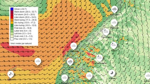 HJØRNEEFFEKTEN: Ved Stad, heilt nord i Sogn og Fjordane, blir luftstraumar pressa samen torsdag kveld. Det gjer at vinden aukar i styrke.