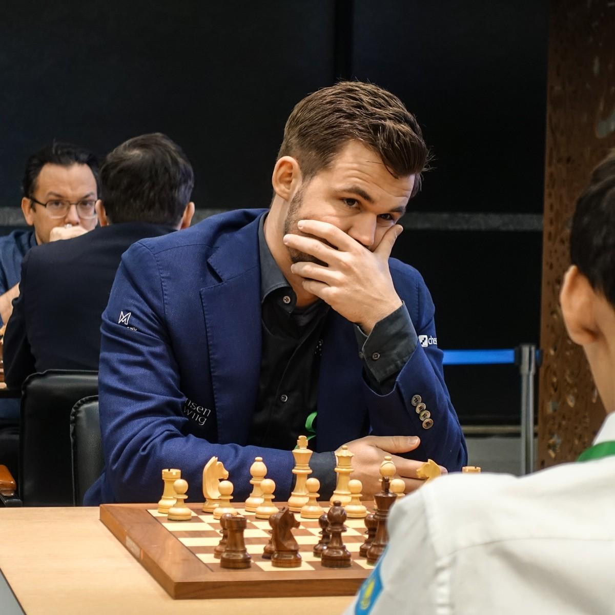 Carlsen Gjorde Kjempetabbe Sa Reddet Han Finaleplass Pa Utrolig Vis Nrk Sport Sportsnyheter Resultater Og Sendeplan