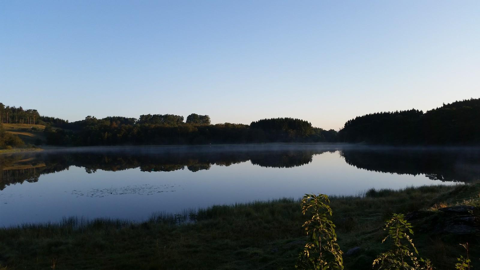 Hauskevatnet på Finnøy.