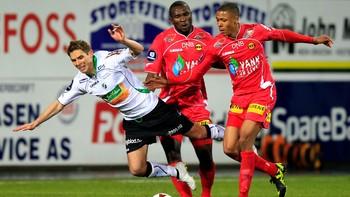 Rune Bolseth for Hønefoss mot Lillestrøm i 2012