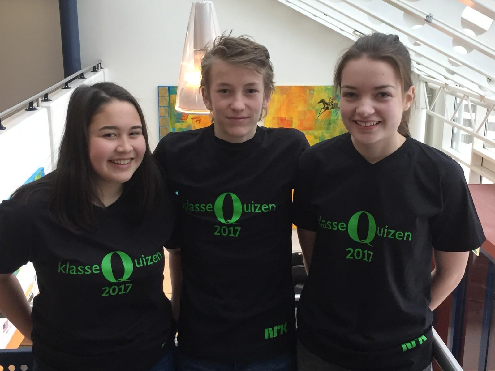 Victoria Røed, Viktor Bilstad og Ingrid Granum fra Hammartun skole klarte åtte rette.
